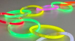 glow stick wedding decoration idea